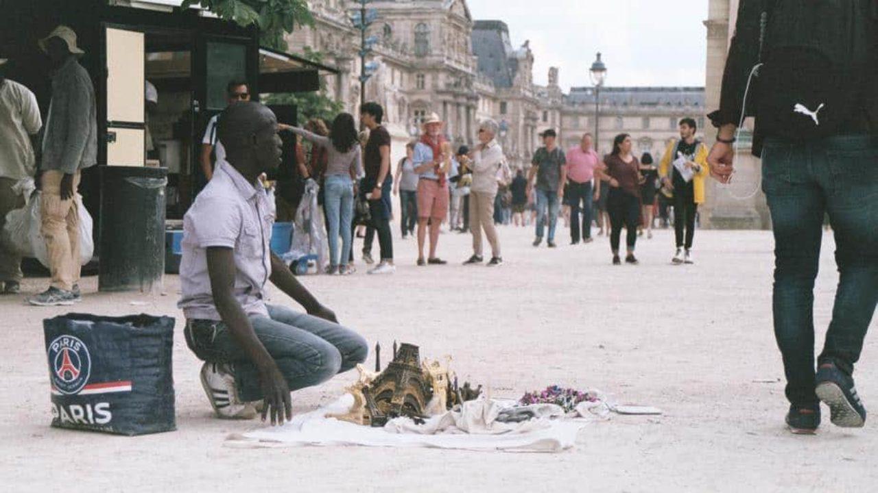 top 10 souvenir shops in paris