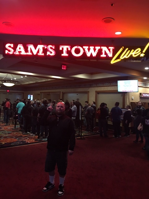 Me Sams Town sign