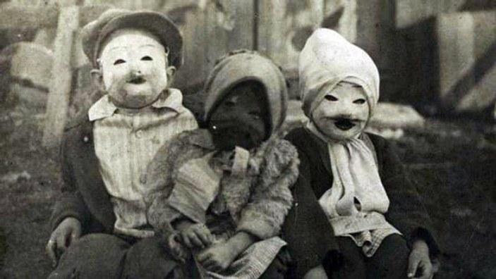 Resultado de imagen para mascara de halloween antigua