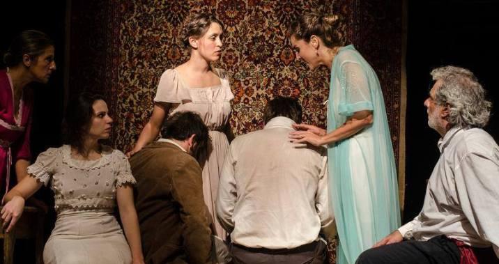 Salón, el fracaso de una idea en la Fiesta Provincial del Teatro en Rosario 2015