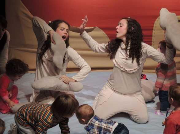 ITO. Teatro para bebés en Plataforma Lavarden