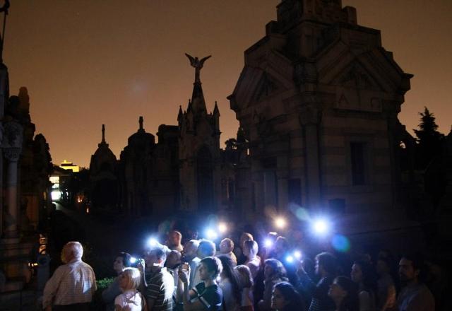 Recorrido por el cementerio El Salvador