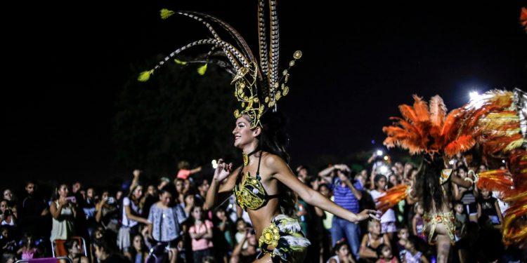 de donde proviene el carnaval