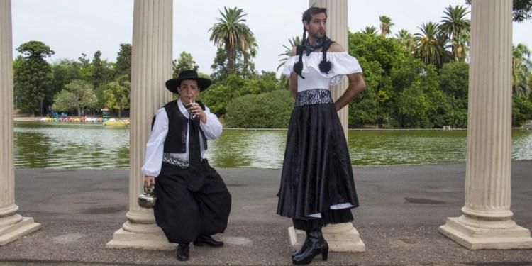 Gauchos reversibles, teatro en Rosario