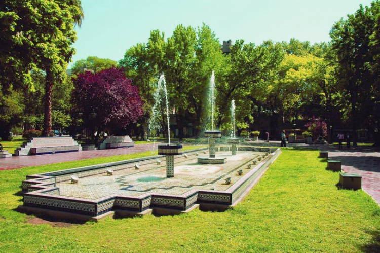 Parque y plazas