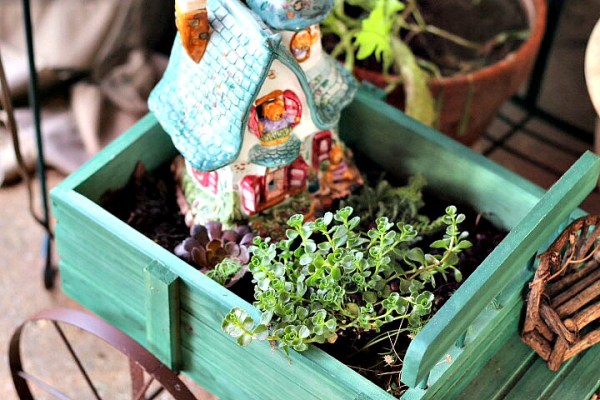 Fairy garden cottage house