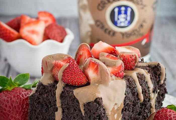 Slow Cooker Chocolate Strawberry Cake Yogurt Glaze Dishing Delish