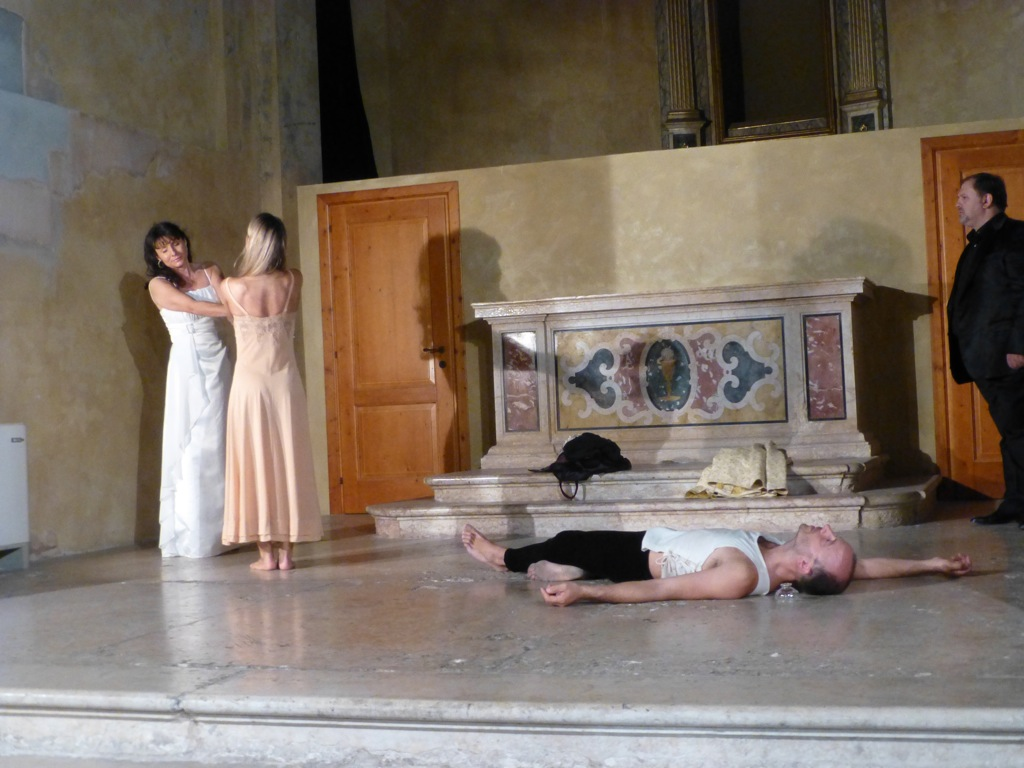 Romeo & Juliet: Opera in Love