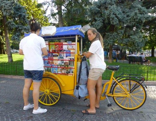 verona tourist information mobile bike desk