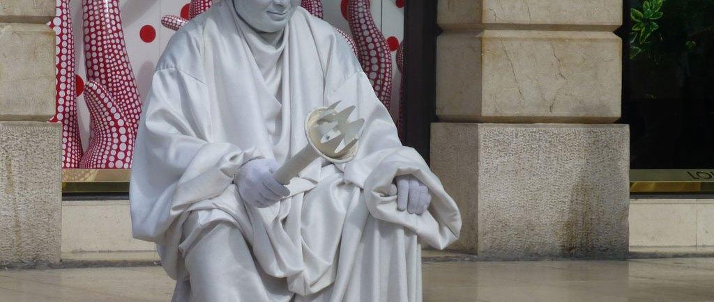 il mimo statua della libertà via mazzini verona