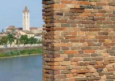 vista fiume adige e chiesa san zeno da castelvecchio verona