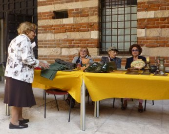 giornata del baratto cortile mercato vecchio verona