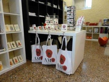 20121021-bookshopamomuseperarenaverona