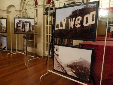 mostra falling in love - collage digitali con il balcone di giulietta di alessandro cantoni