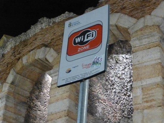 20120916-arenadiveronawifinternet