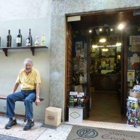 20121006-verona-centro-storico-enoteca-dal-zovo-cantina-vino