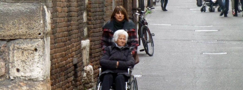 20121118-veronaccessibileanzianadisabilecarrozzina