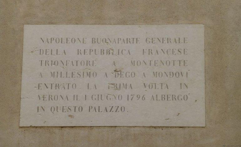 iscrizione napoleone bonaparte via massalongo verona