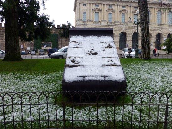verona-giulietta-romeo-neve-piazza-bra