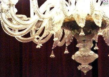 particolare del lampadario del piccolo teatro di giulietta
