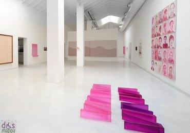 arte contemporanea in rosa alla galleria studio la città di verona