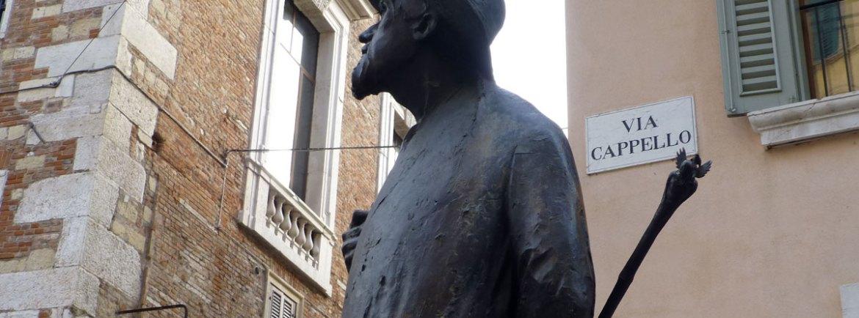 statua poeta veronese berto barbarani in via cappello a verona