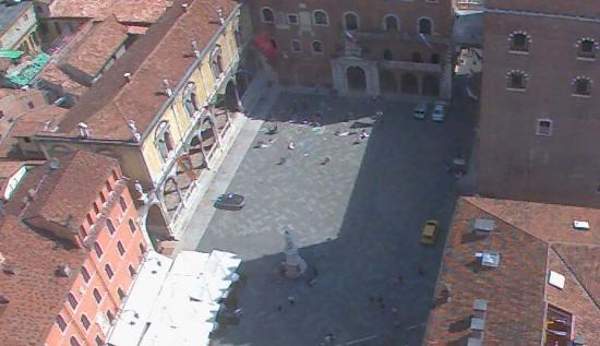 madoneri-piazza-dante-verona-webcam