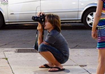 foto-bambino-piazza-erbe-verona