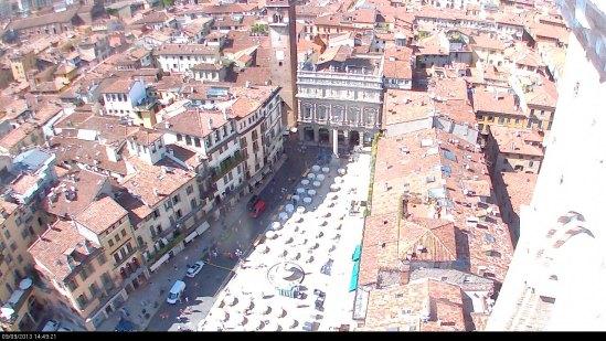 20130909-webcam-piazza-erbe-gala-giulietta