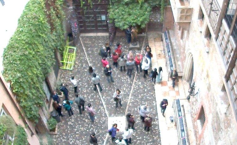 20131021-balcone-romeo-gonzales-smontaggio-installazione