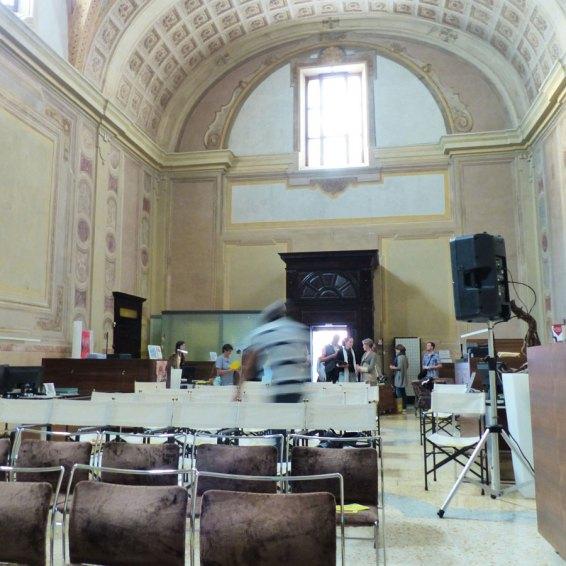 La sede della Cassa Padana, nella ex Chiesa di San Silvestro, ospita mostre e talvolta spettacoli. Gli spazi principali sono accessibili e all'entrata non c'è alcuno scalino. Filiale di Cassa Padana Bcc Ex Chiesa di San Silvestro Piazza Arditi 4 – Verona Tel +39045594375 Pagina web