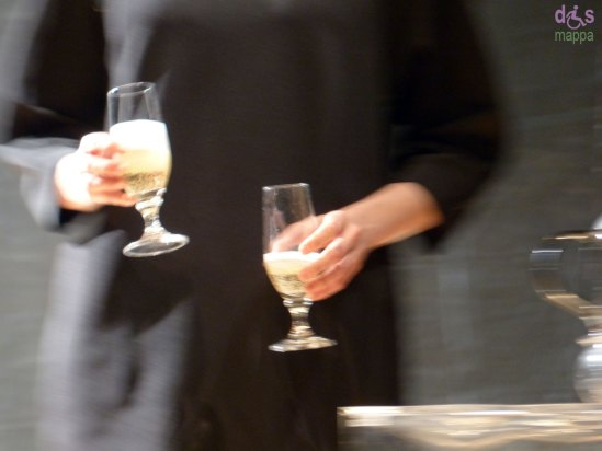 20131201-bicchieri-spumante-brindisi-verona