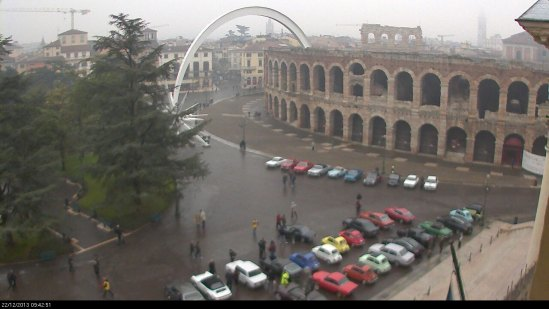20131222-mostra-auto-epoca-piazza-bra-webcam-verona