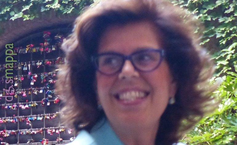 Piccolo Teatro di Giulietta Giovedì 19 novembre 2015, ore 17.30 Premio Dodici Apostoli, è l'anno delle donne Vincono la giornalista di Al Jazeera Barbara Serra e la direttrice dei musei Paola Marini per l'arte. Il premio Dodici Apostoli si tinge di rosa. Il riconoscimento culturale più longevo della città celebrerà, infatti, quest'anno la giornalista televisiva e scrittrice Barbara Serra e Paola Marini, già direttrice dei Musei civici e monumentali di Verona e ora alla direzione delle Gallerie dell'Accademia di Venezia, a cui andrà il «Riconoscimento all'Arte».