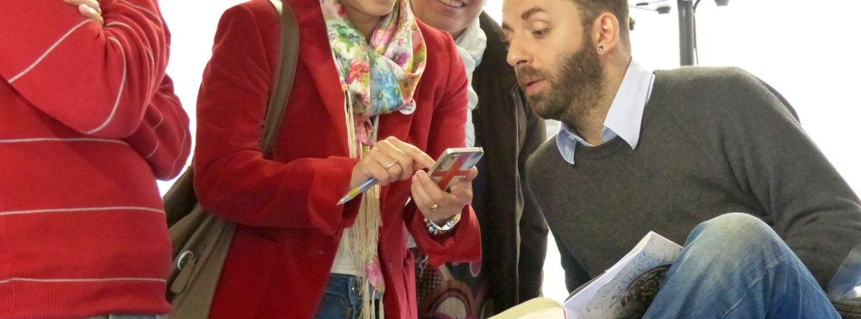 VANNI SANTONI H G è nato a Montevarchi nel 1978. Ha pubblicato, tra gli altri, i romanzi Gli interessi in comune (Feltrinelli 2008), Se fossi fuoco arderei Firenze (Laterza 2011) e, da coordinatore, In territorio nemico (minimum fax 2013). Terra ignota (Mondadori 2013) è il suo primo romanzo fantasy. Presenta FRANCESCO GUNGUI, scrittore e consulente editoriale.