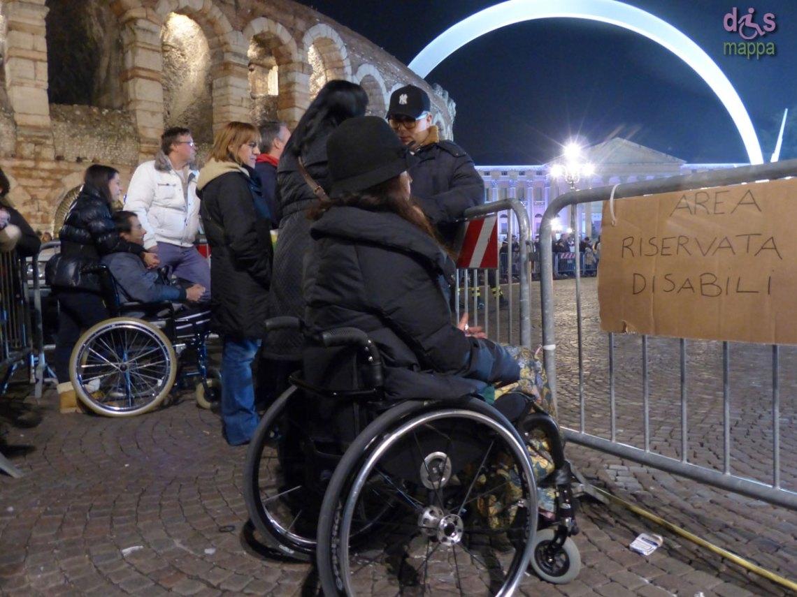 lo spazio riservato alle persone con disabilità durante il rogo della befana (Brusa la vecia) in Piazza Bra a Verona