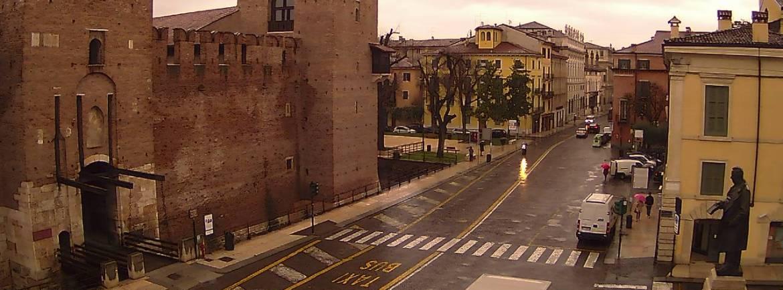 20140114 Pioggia nuvole rosa Corso Cavour webcam Verona