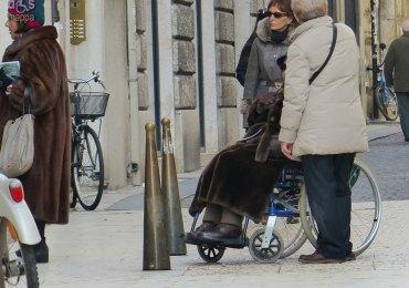 20140208 Carrozzina biciclette via Mazzini Verona