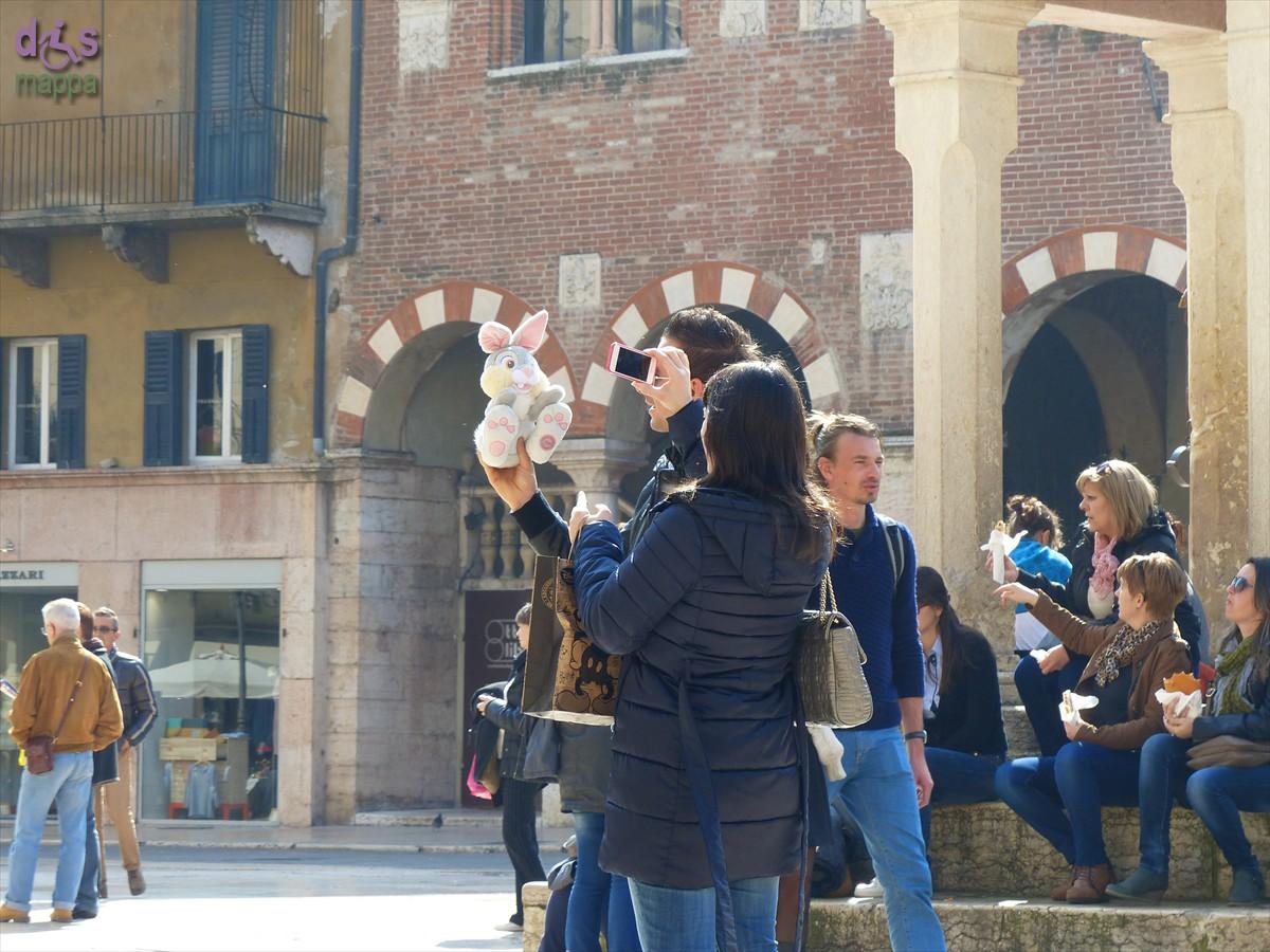 20140309 Foto Piazza Erbe pupazzo Verona