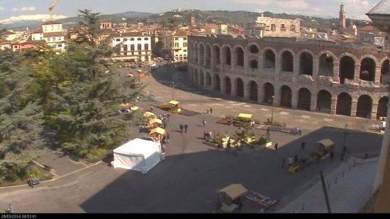 20140328 webcam Verona in fiore Piazza Bra