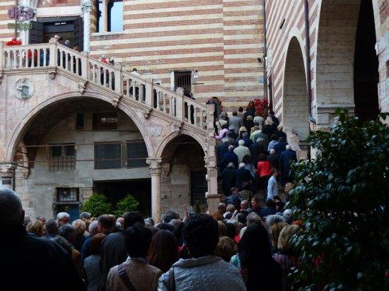 L'entrata principale, Scala della Ragione