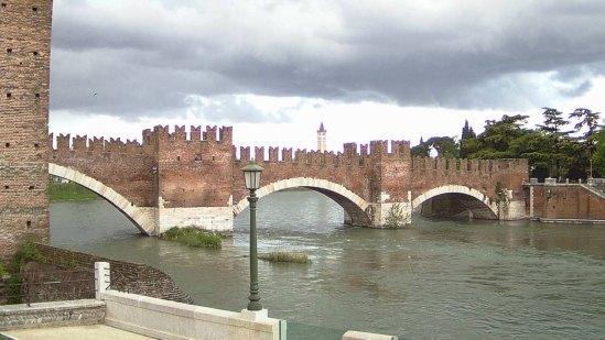 20140415 Nuova webcam Verona ponte Castelvecchio Adige