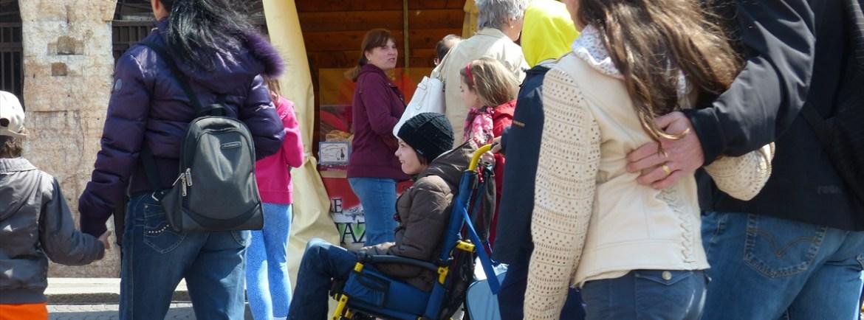 20140419 Disabile carrozzina Piazza dei sapori Verona