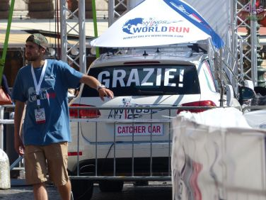 Grazie (catching car)