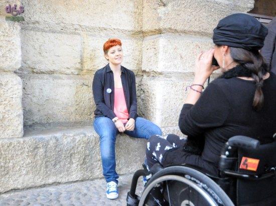 La cantante Noemi partecipa alla campagna di sensibilizzazione contro le barriere architettoniche Accessibile è meglio promossa dall'Associazione dismappa