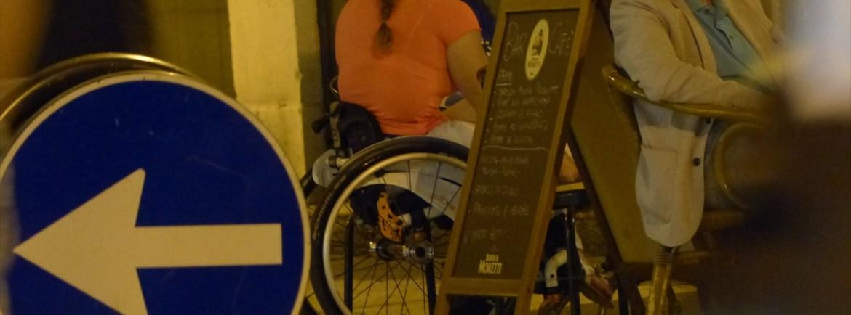 20140703 Ragazza disabile carrozzina Valeggio 530
