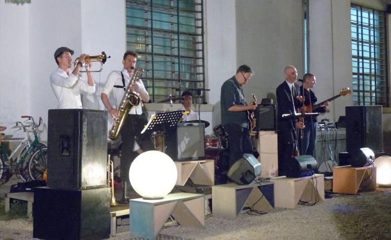 Concerto Peluqueria Hernandez a Reverse, Verona