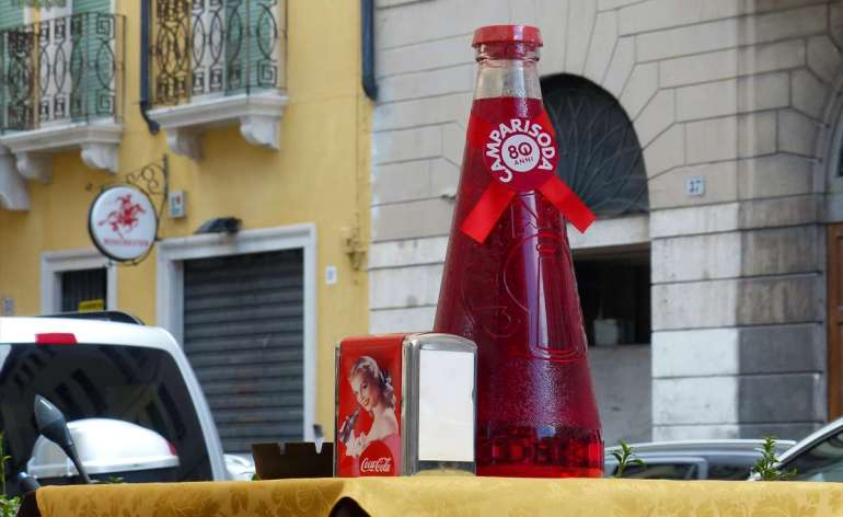 20140731 Bottiglia Campari gigante Verona