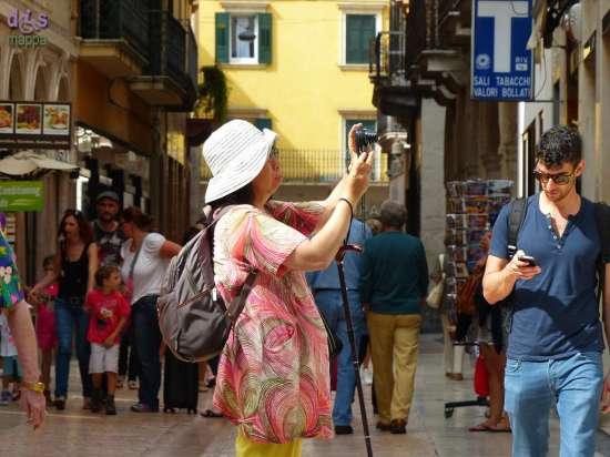 20140731 Turista foto via Mazzini Verona