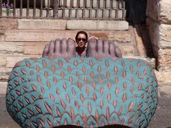 20140806 Anne Marie piedi sfinge Aida Arena Verona 3